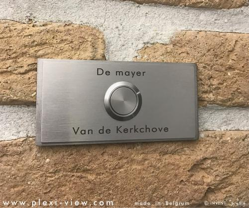 https://www.plexi-view.com/product-images/795/deurbellen-inox-316-rvs/deurbel-rvs-316-duo-naam-r--formatted.jpg?resize=w[500]